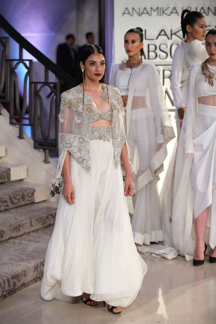 Lakmé Fashion Week – LAKME ABSOLUTE GRAND FINALE BY ANAMIKA KHANNA AT LFW SR 2015