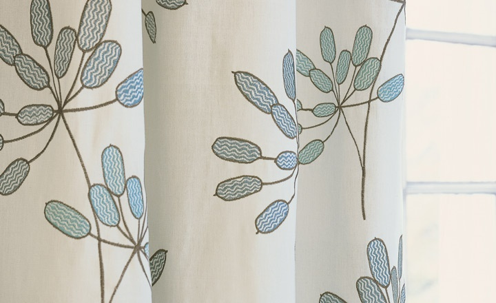 Astrid - Embroideries - Villa Nova