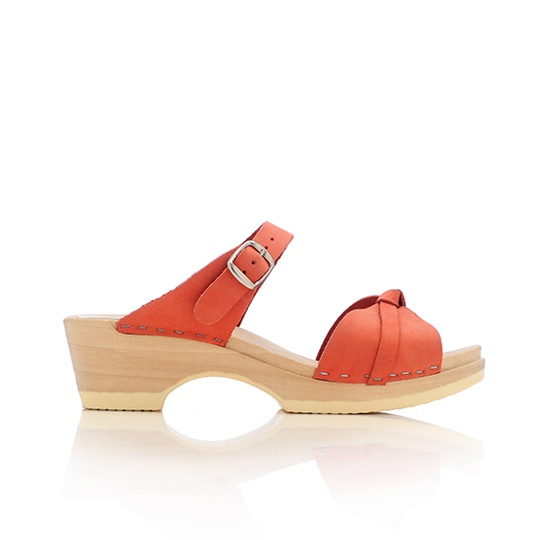 slip on clogs in orange: Clogs Sandals, Lott Knots, Orange Clogs, Lotti Knots, Red Shoes, Randal Lott, Knots Clogs, Coral Shoes, Loeffler Randal