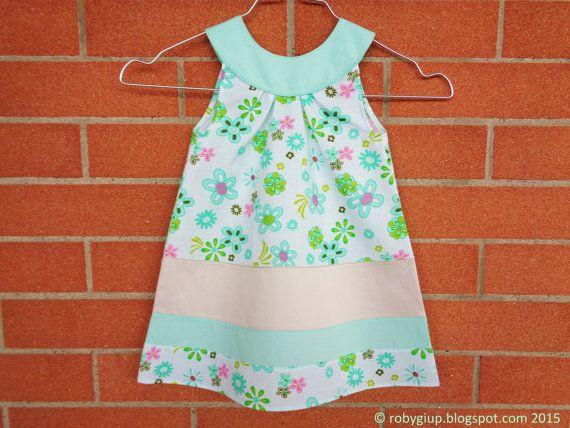 Abito bambina con scollo tondo e forma svasata taglia 18 mesi in cotone verde menta rosa ocra tortora con stampa a fiori - by RobyGiup