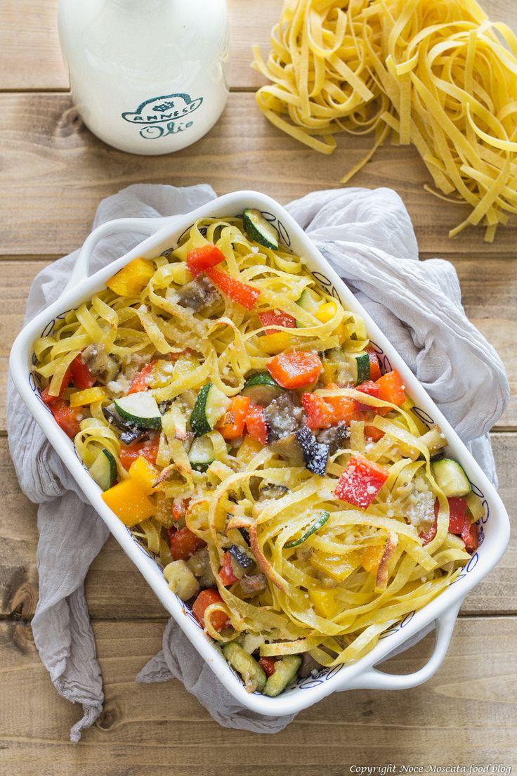 Tagliatelle con verdure food potography