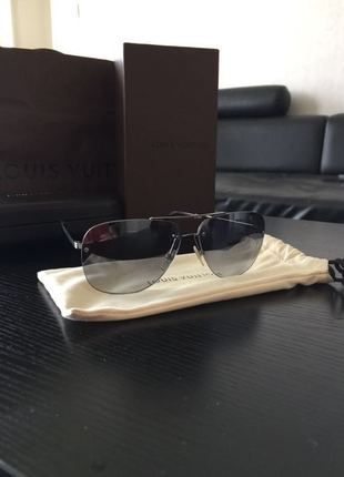 A vendre sur #vintedfrance ! http://www.vinted.fr/mode-hommes/lunettes-de-soleil/21757324-lunette-de-soleil-louis-vuitton-socoa-damier