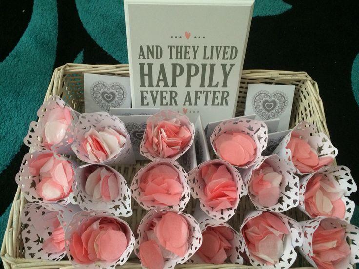 Confetti cones wedding