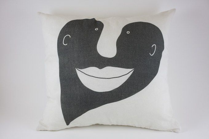 Heart Pillow Grey by Jain&Kriz. Great Valentine's, wedding or birthday present. A striking and playful accent for the bed or living room. 100% linen.