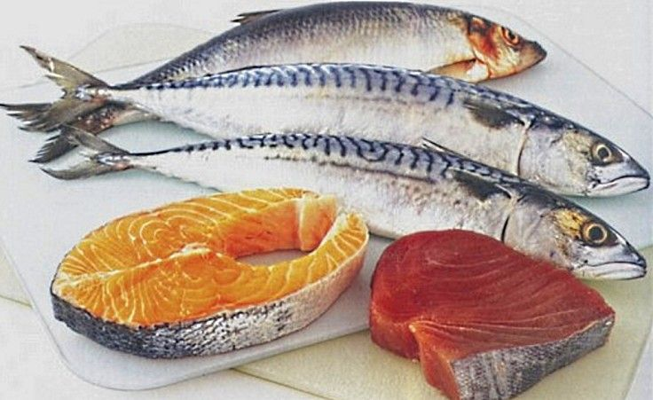 Fresh oily fish and seafood are used to replace red meat in the Mediterranean Diet. Processed meats should be avoided. Choose poultry instead.