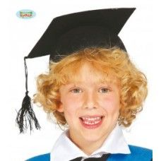 Cappello da laureato per bambini.  http://festematte.it/index.php?route=product/product&path=59_67&product_id=71