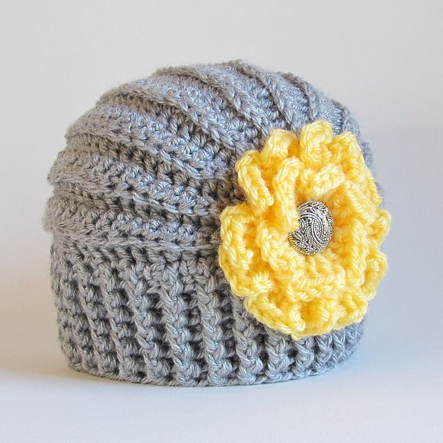 Ravelry: Très Chic pattern by Marken of The Hat & I. Pattern is $5.50. (color inspiration)