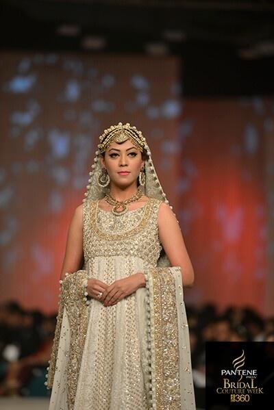 A Pakistani simple bride by Zainab chottani