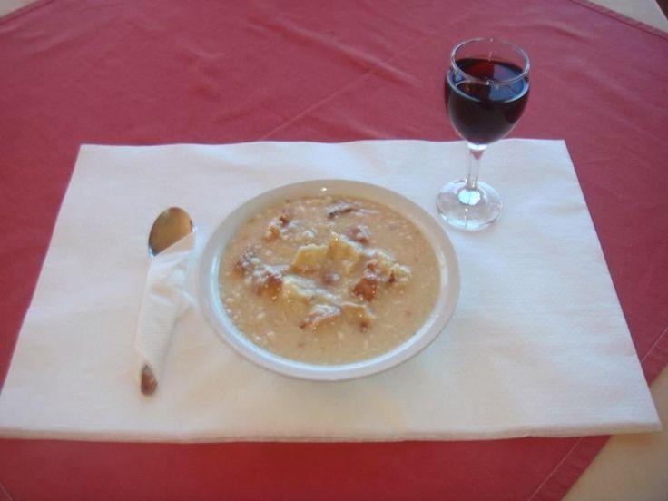 Γεύσεις της Εύβοιας: ΠΑΡΑΔΟΣΙΑΚΑ ΦΑΓΗΤΑ