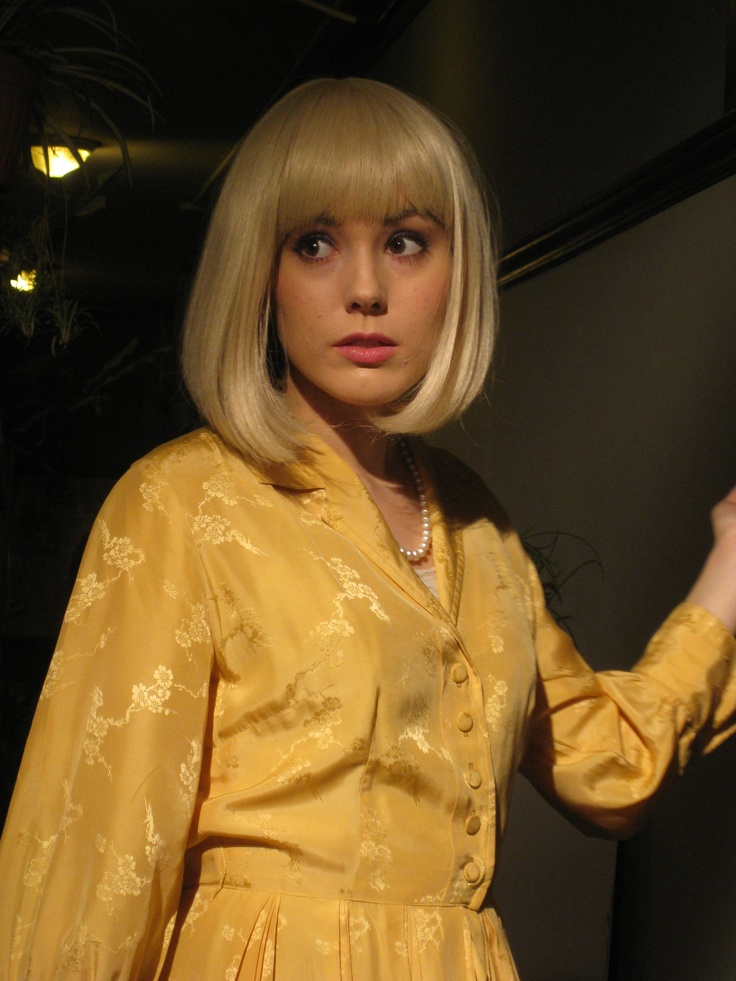 yellow dress, wig