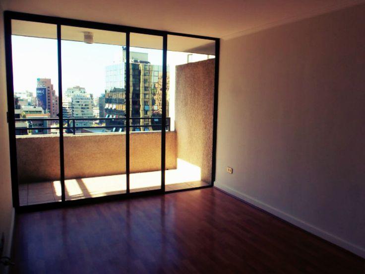 Hermoso depto. en arriendo 1 dormitorio 1 baño, ubicado en barrio El Golf, Las Condes. Más info en www.meinhaus.cl