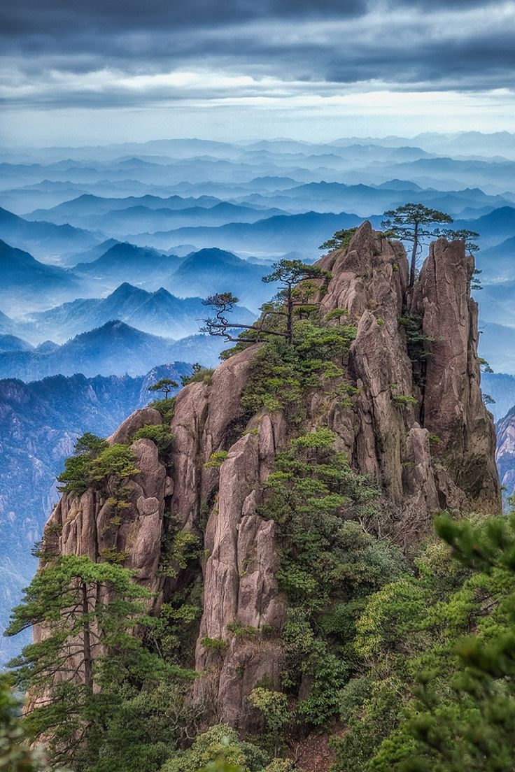 Huangshan, China - by Konstantin Lagoudine