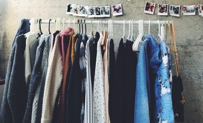 Saia jeans voltam em força – Como usar