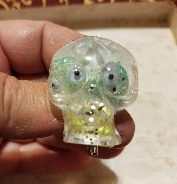 Hand cast resin googly eyed skull 4 eyes. brooch. hand ...