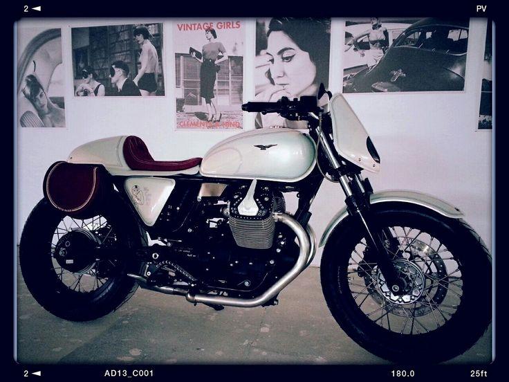 Moto Guzzi v7  The Lady Bike