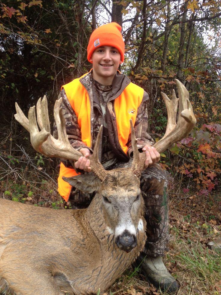 World Record Hunts   Monster Whitetail Bucks