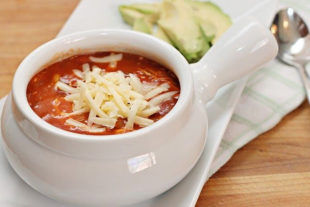 Buffalo Chicken Chili - I want to make this for Ryan since he LOVES spicy food!!
