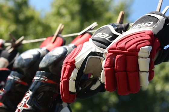 How to wash hockey equipment at home - how to remove the smell and dirt and bacteria from your hockey gear by washing it in the washing machine.