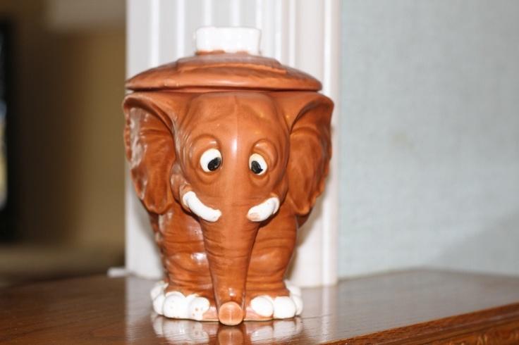 5771 best antique cookie jars images on pinterest antique cookie jars vintage cookies and - Vintage elephant cookie jar ...