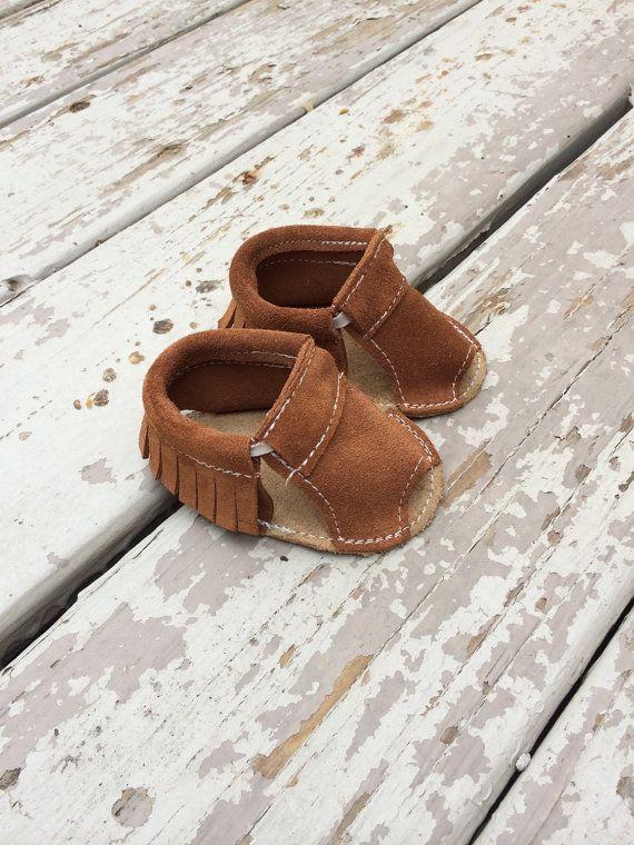 Bruine beer lederen mocc sandalen van MaxMoccs op Etsy