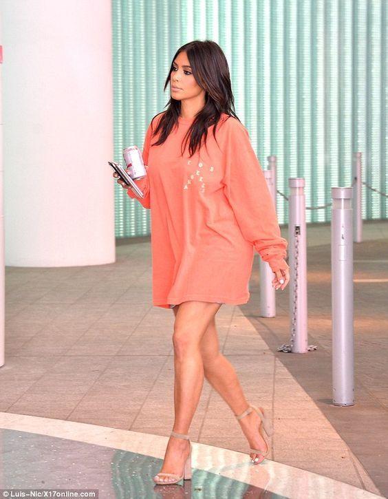 15 Looks da Kim Kardashian Por Aí - Fashionismo