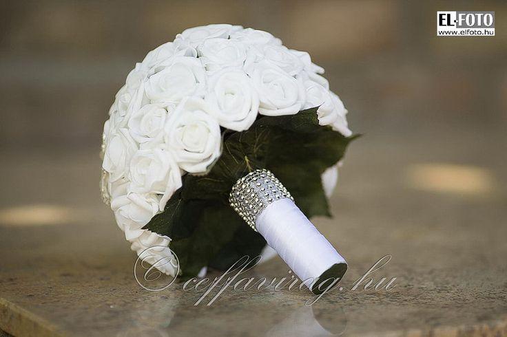 Ceffa ékszer csokor   Színes, vidám, egyedi, kézműves virágkötészet