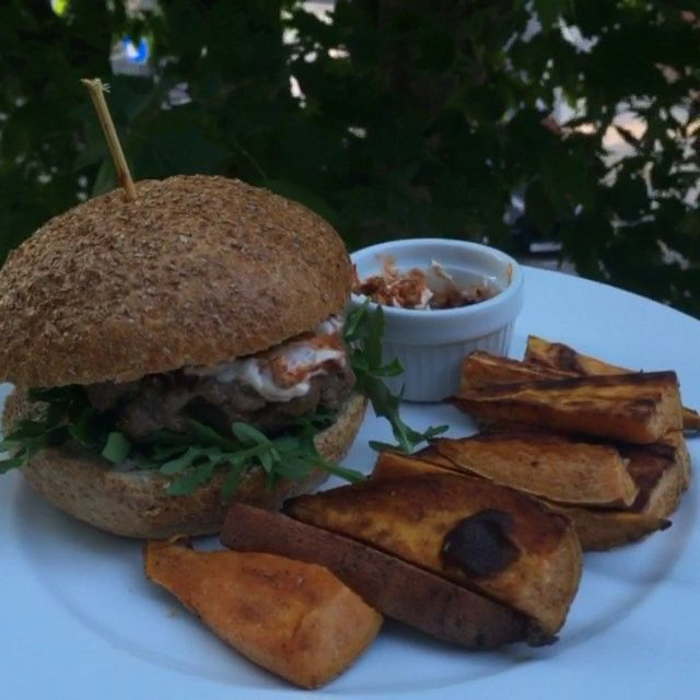Try my post workout burgers with sweet potato wedges #Leanin15 #EstoyGuiltando