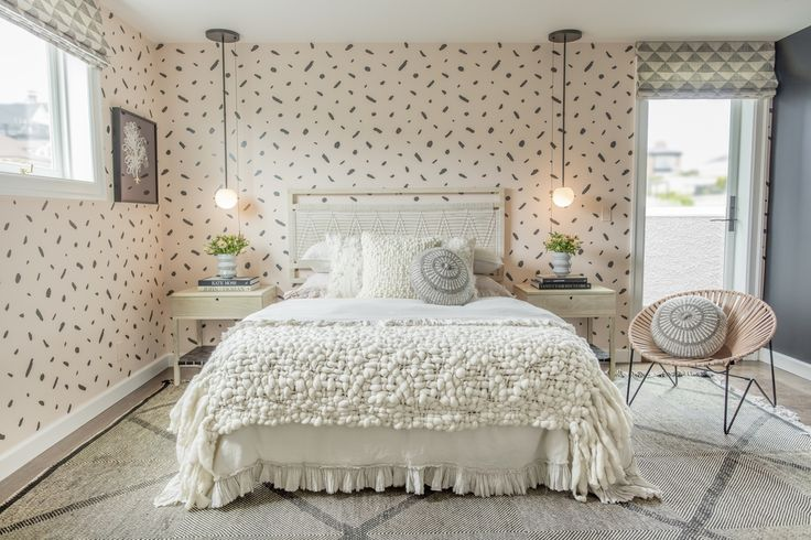 Tour A Gorgeous Sophisticated Teen Bedroom | Decorist Blog | see more at: https://www.decorist.com/blog/Tour-A-Gorgeous-Teen-Bedroom/