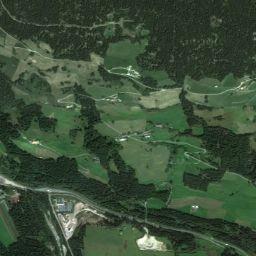 """Parco giochi nel """"Kurpark"""" di Villabassa - Familienhotels Alto Adige - family hotel e offerte per famiglie"""