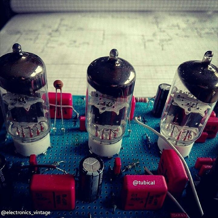 Credit - @tubical #elettronica #electricalengineering #vintageelectronics #electronic #electronics #vintage #amplifier #instatech #engineering #engineer #technology #vacuum #tube #valve #tech #arduino #transistor by electronics_vintage