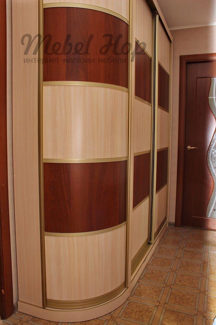 Используйте углы с умом! ☝ Угловой элемент с дверью - удобно и практично! Распашной радиусный шкаф позволит ✔ выгодно использовать пустой угол в любой комнате, ✔ закруглить выступающую боковину шкафа в узком коридоре, ✔ придать композиции законченный вид! ✅ Наполнение: крючки, штанга или вместительные полки. ✅ Размеры, цвета корпуса и декор дверей - любой: пластик, кожа, фотопечать! ✅ Низкие цены. Отличное качество. ✅ Каталог на сайте https://mebelhop.ru/ ✅ Доставка по всей России…