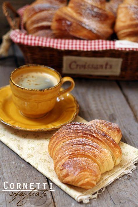 cornetti croissant sfogliati