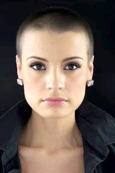 Short Hair Beauty — Rate her look from 1-10 http://ift.tt/1IGOoM4