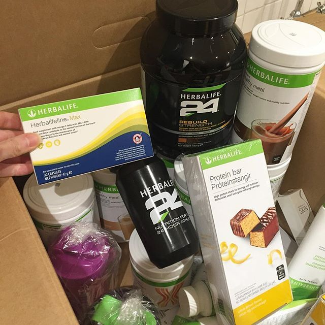 Delivery today!! Going to be trying out @herbalife Herbalifeline Max capsules that contain omega-3 fatty acids EPA+DHA. Helps lower blood cholesterol and improves brain function! Will update you on this later. 🤓💜#nutrition #foodporn #food #foodie #foodstagram #foodpics #healthyfood #healthyeating #health #healthy #healthylifestyle #idealbreakfast #healthybreakfast #healthylife #healthyliving #weightloss #weightlossjourney #eat #eatclean #eatingclean #cleaneating #clean #fitness #fit…