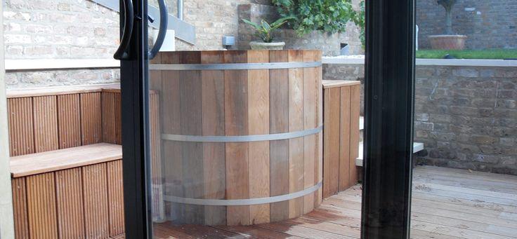 Urban Cedar Hot Tub | Hot Tubs Bristol, UK