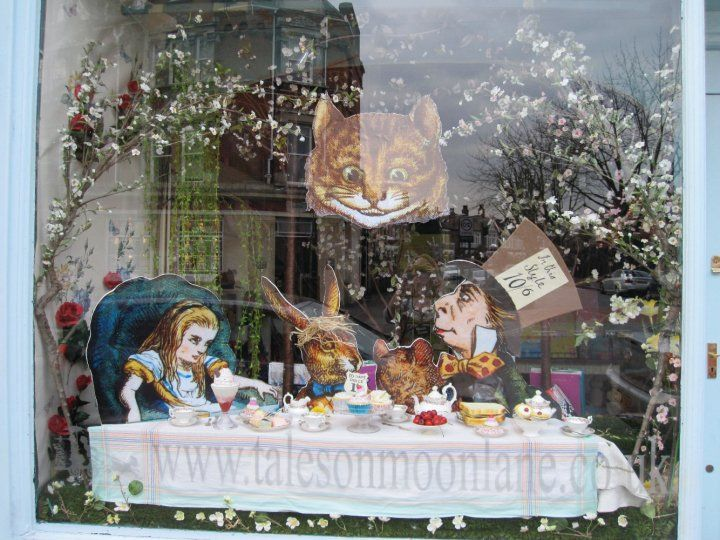 1000 images about great bookshop window displays on pinterest - Decoration noel professionnel ...