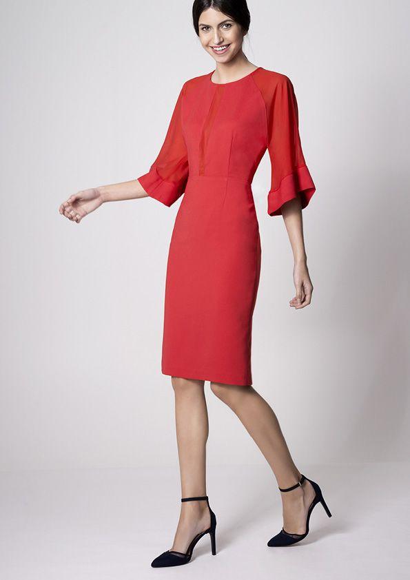 NUBBE CLOTHES S/S '17 | TODO AL ROJO!  Vera es un vestido rojo de tubo en crep y gasa con manga de tres cuartos, una apuesta segura para cualquier evento especial.  http://nubbeclothes.com/shop/vestidos-y-monos/vestido-vera/ Imagen: Vestido Vera. Colección Nubbe Clothes #SS17 #moda #fashion #madeinspain #modagallega