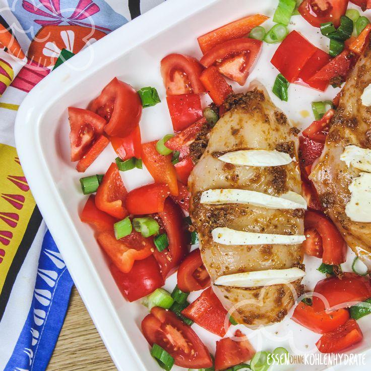 Low Carb Rezept für ein Fan-Pesto-Huhn mit Ofengemüse. Kleiner Kohlenhut …   – low carb (warmes Essen)