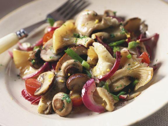 Gemischter Pilzsalat ist ein Rezept mit frischen Zutaten aus der Kategorie Pilze. Probieren Sie dieses und weitere Rezepte von EAT SMARTER!