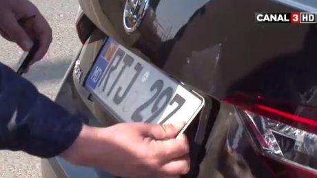 """Poliţiştii au ieşit la """"vânătoare"""" de şoferi care au maşinile cu geamuri fumurii (VIDEO)"""