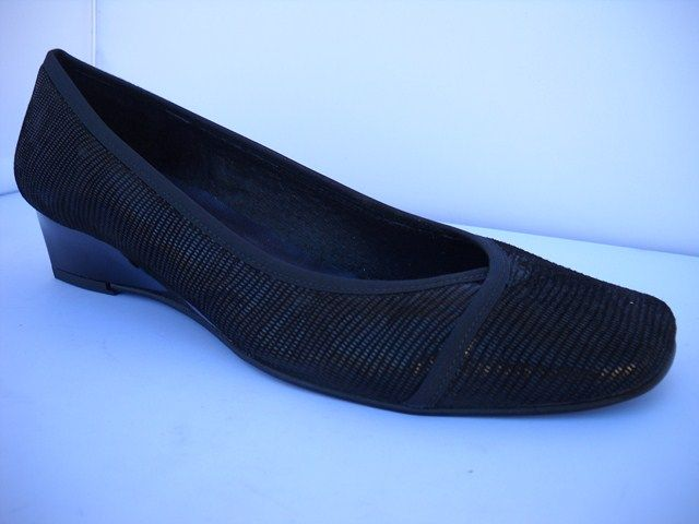 Brenda Zaro from Spain.  Black shimmer court with tapered heel of 3.5cm.    Sizes range 37-41.