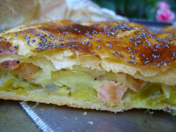 La cancoillotte est un fromage franc-comtois. Cette spécialité de fromage fondu est obtenue à partir de lait écrémé caillé, d'où son faible taux de matière grasse (de l'ordre de 5%). On peut la manger froide sur du pain ou chaude accompagnée de pommes...