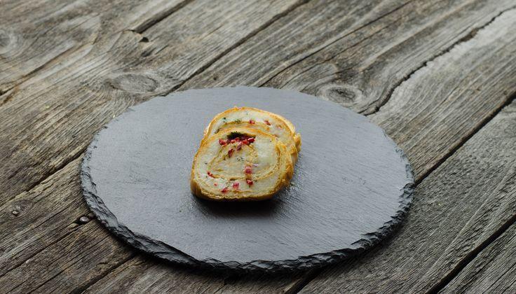 Ruladă de brânză cu verdeaţă