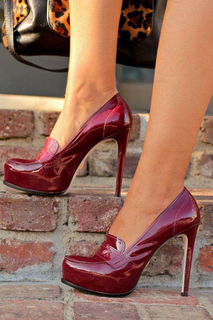 Pour La Victoire patent leather pumps