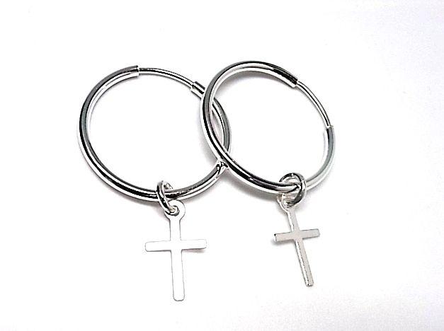 Pendientes de plata de primera ley de aro de 22 mm de diametro, con una cruz colgando de una argollita en plata lisa