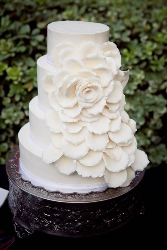 simple and beautiful wedding cakes simple yet beautiful wedding cake wedding cakes 19922