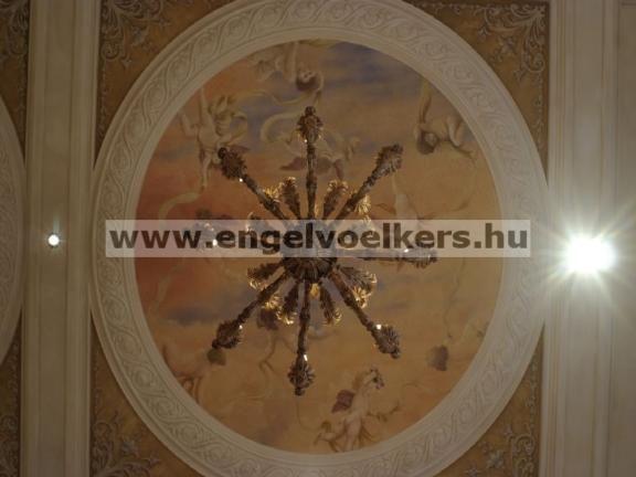 Ház XII. kerület - Kifinomult mennyezeti freskó
