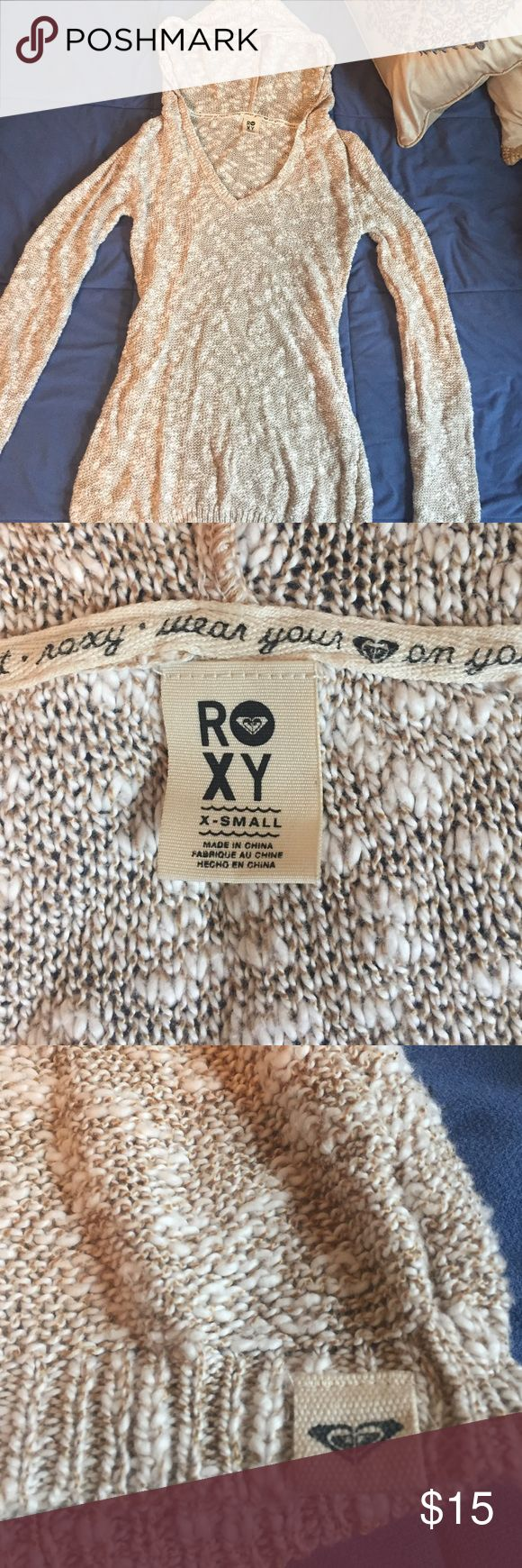 Roxy xsmall sweater hoodie Good condition. It says xsmall, would fit a petite woman or girl who wears size 12-14. Hood is not detachable Roxy Sweaters V-Necks