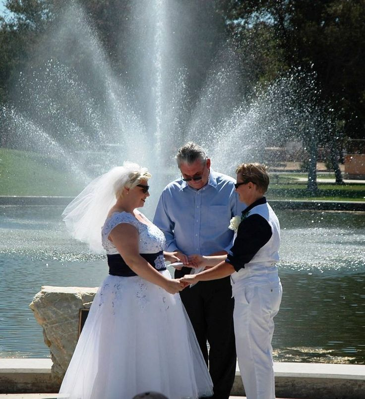 Wedding Officiant Speech Ideas: Vows By The Fountain