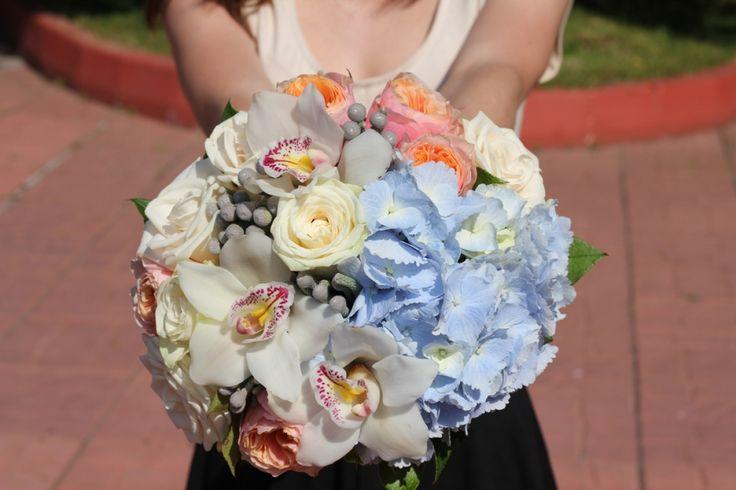 Букет невесты с голубой гортензией голубая гортензия свадьба цветы бело-голубая свадьба, голубая свадьба, #wedding #bluewedding #hydrangea #bluehydrangea #bluebouquet #bouquet